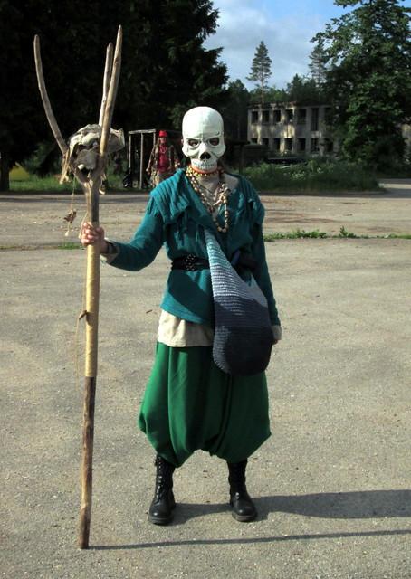 Skull-wearer